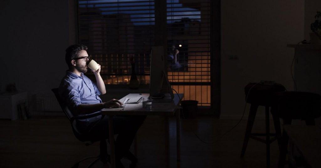 6 mẹo tránh mất ngủ khi khởi nghiệp
