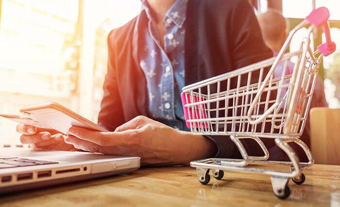 Tới thời điểm hiện tại, phần lớn doanh nghiệp thương mại điểm tử đã chấp nhận các dạng ví điện tử ngoài thẻ tín dụng. Trong năm 2021, chúng ta sẽ thấy nhiều hơn nữa các doanh nghiệp, nhà bán lẻ sẵn sàng thích ứng với các phương thức thanh toán mới.